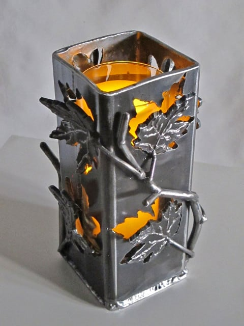 metal candle hugger with leaves