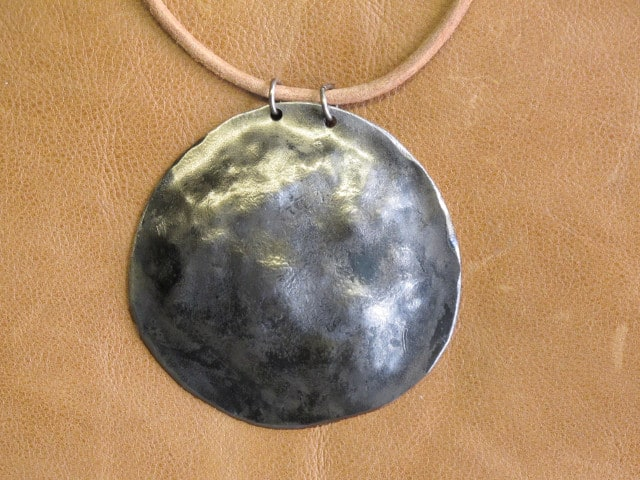 round metal necklace