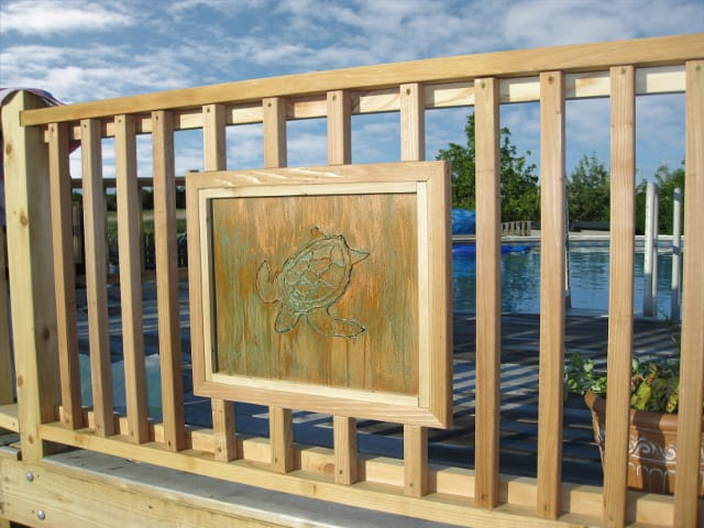 metal deck fence insert with turtle