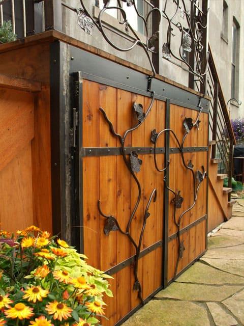 steel railing with leaf design